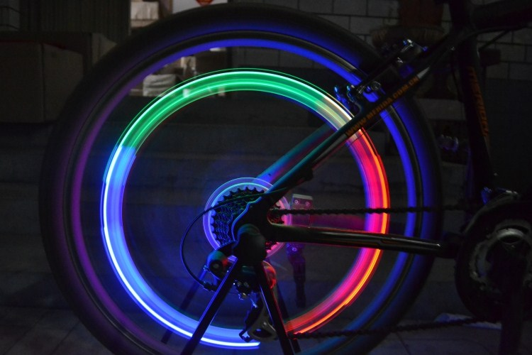 7 colors auto change Car / Bike / Bicycle Tyre Wheel Spoke Valve LED Neon Light